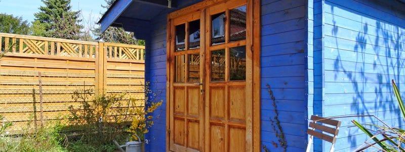 Richtige Pflege von Holz im Freien